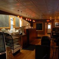 3/21/2014 tarihinde Amy's Coffee Houseziyaretçi tarafından Amy's Coffee House'de çekilen fotoğraf