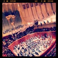 Das Foto wurde bei Louise M. Davies Symphony Hall von Jerome P. am 5/26/2013 aufgenommen