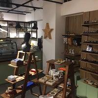 Photo prise au Origin Coffee&Shop par Yavuz G. le6/27/2018