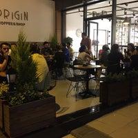 Photo prise au Origin Coffee&Shop par Yavuz G. le7/12/2018