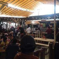 Foto tomada en Pinche Gringo BBQ Patio por Kristina L. el 5/31/2015