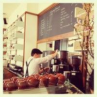 Das Foto wurde bei Stumptown Coffee Roasters von Pares T. am 4/6/2013 aufgenommen