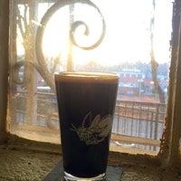 Photo prise au Firefly Hollow Brewing Co. par Annette H. le11/23/2014