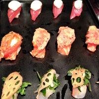 Photo prise au Sushi of Gari par Josh A. le10/13/2012