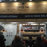 Foto tomada en Coffee Time Artisan Roasters por Sasha G. el 12/27/2017