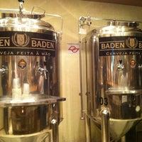Foto tirada no(a) Cervejaria Baden Baden por Augusto V. em 3/30/2013