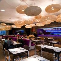3/26/2014 tarihinde Senz Nikkei Restaurantziyaretçi tarafından Senz Nikkei Restaurant'de çekilen fotoğraf