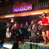 รูปภาพถ่ายที่ Maison โดย Michael H. เมื่อ 4/21/2013