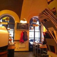 10/29/2012에 zafer k.님이 Café Daniel Moser에서 찍은 사진