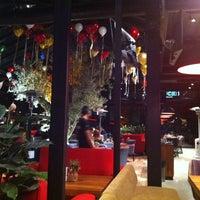 รูปภาพถ่ายที่ Cafe Locale İstanbul โดย Ebru M. เมื่อ 12/12/2013