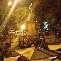 Photo prise au Piazza Vincenzo Bellini par Maria A. le6/13/2014
