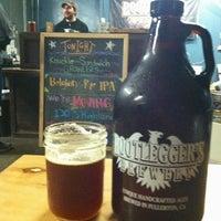 Das Foto wurde bei Bootlegger's Brewery von Richard J. am 2/6/2013 aufgenommen