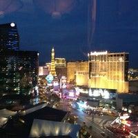 Снимок сделан в Mandarin Bar пользователем VMin C. 11/28/2012