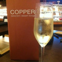 Photo prise au Copper Restaurant & Dessert Lounge par Madison C. le4/12/2013