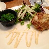 Foto scattata a Legal Sea Foods da Ally M. il 3/10/2013