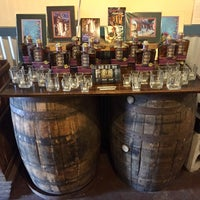 Foto scattata a Old New Orleans Rum da Arlynne C. il 11/1/2017