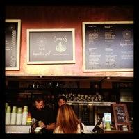 10/14/2012 tarihinde Lynton M.ziyaretçi tarafından Taste Baguette & Grill'de çekilen fotoğraf