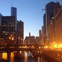 7/4/2013 tarihinde Nikola R.ziyaretçi tarafından Chicago Riverwalk'de çekilen fotoğraf
