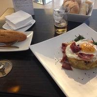 Foto tomada en Restaurante Antique por Tamara B. el 3/30/2014