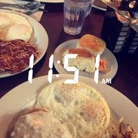 Das Foto wurde bei Hank's Creekside Restaurant von Janica O. am 2/25/2017 aufgenommen