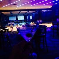 Das Foto wurde bei Blackhawk Bowl / Martini Lounge von Nicolas H. am 8/26/2015 aufgenommen