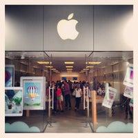 6/15/2013에 Hans H.님이 Apple Century City에서 찍은 사진