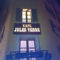 Foto diambil di Jules Verne oleh Rio G. pada 5/28/2014