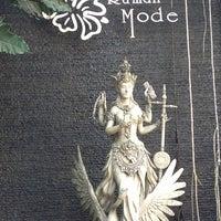 Photo prise au Rumah Mode Factory Outlet par Helena N. le7/7/2013