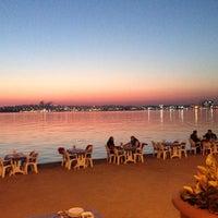 5/5/2014 tarihinde Medeni K.ziyaretçi tarafından Poyraz Balık Restaurant'de çekilen fotoğraf