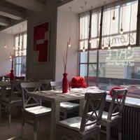 3/12/2015 tarihinde Anstasia K.ziyaretçi tarafından Дом-кафе'de çekilen fotoğraf