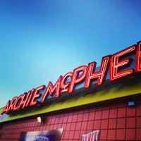 Foto tirada no(a) Archie McPhee por Christopher S. em 8/31/2013