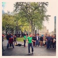 Photo prise au Leicester Square par John W. le5/13/2013