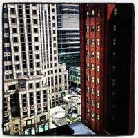 Foto tirada no(a) Lombardy Hotel por Isaac M. em 9/5/2013