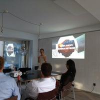 Foto diambil di Die Zentrale Coworking oleh Thomas O. pada 8/9/2018