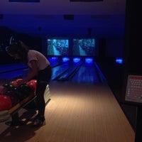 Das Foto wurde bei Bowling Lounge Berlin von Ece Gizem K. am 9/15/2014 aufgenommen