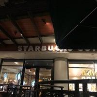 Foto tomada en Starbucks por elly🐝 el 1/27/2018