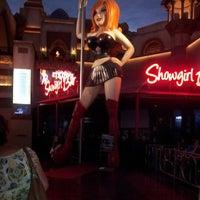 รูปภาพถ่ายที่ Stripper 101 โดย ManMade T. เมื่อ 4/11/2014