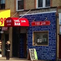 5/30/2014 tarihinde Jay S.ziyaretçi tarafından The Jar Bar'de çekilen fotoğraf