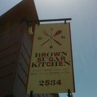 Foto diambil di Brown Sugar Kitchen oleh Terence M. pada 5/25/2013