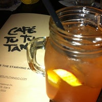 Foto tomada en Café Tu Tu Tango por Paula K. el 1/17/2013