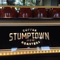 Photo prise au Stumptown Coffee Roasters par Joshua V. le5/5/2014