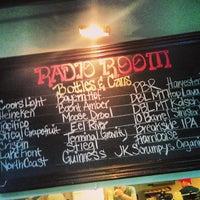 5/27/2013 tarihinde Brad S.ziyaretçi tarafından Radio Room'de çekilen fotoğraf