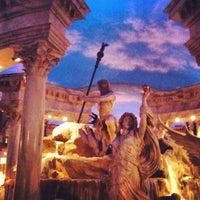 10/20/2012 tarihinde Lipe B.ziyaretçi tarafından Festival Fountain - The Forum Shops at Caesars Palace'de çekilen fotoğraf