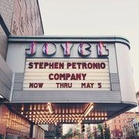 Das Foto wurde bei The Joyce Theater von Rita L. am 5/5/2013 aufgenommen