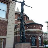 5/27/2013에 Brent B.님이 Columbia University Sculpture Garden에서 찍은 사진