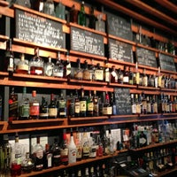 Das Foto wurde bei Sycamore Flower Shop + Bar von Charles B. am 5/4/2013 aufgenommen