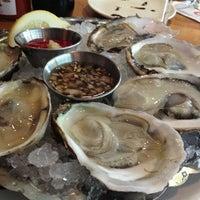 Foto scattata a Legal Sea Foods da Missy B. il 3/28/2013