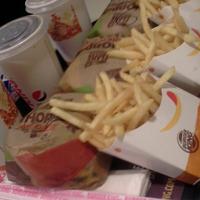 Foto tomada en Burger King Sajonia por Albi . el 3/26/2018