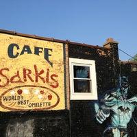 Foto scattata a Sarkis Cafe da Craig S. il 5/18/2013