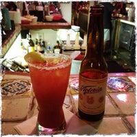 รูปภาพถ่ายที่ Guero's Taco Bar โดย Cinzia L. เมื่อ 6/21/2013
